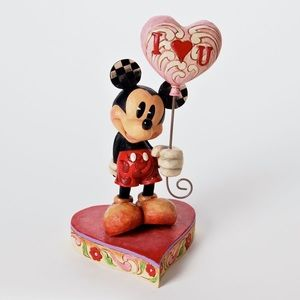 Walt Disney world Mickey Mouse statue
